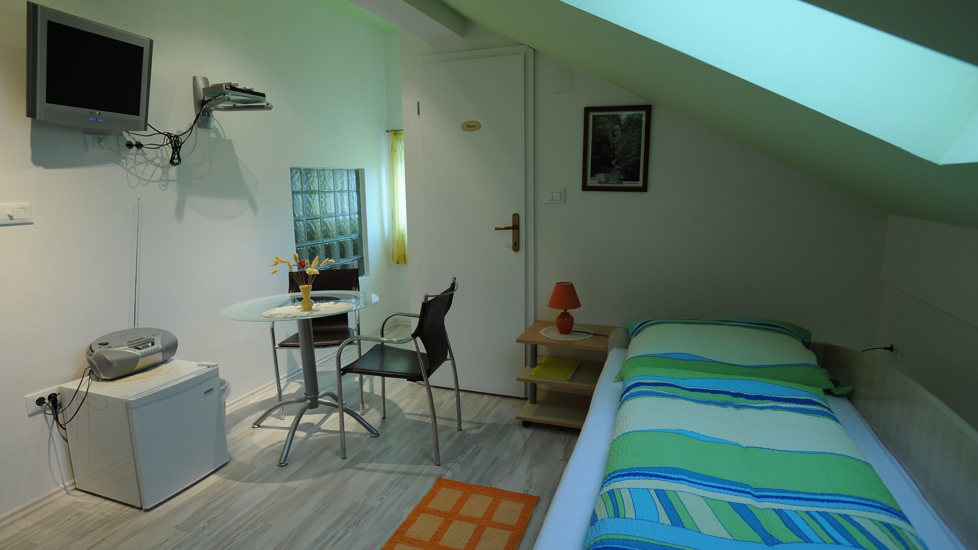 Apartment and rooms Silva Tolmin